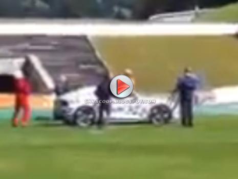 (Vidéos) Un mystérieux coupé Audi à la montagne...