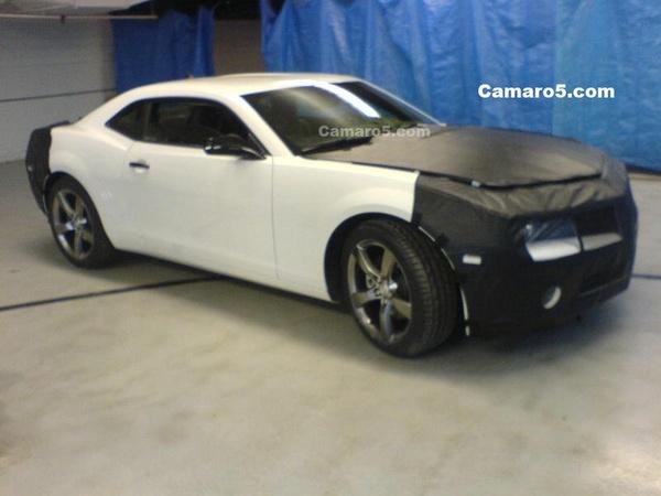 Future Chevrolet Camaro un peu moins vêtue