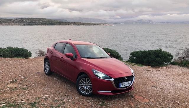 Mazda 2 restylée : les premières images de l'essai en direct + impressions de conduite