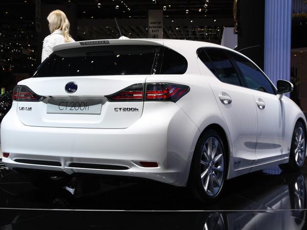 S7-La-Lexus-CT-200h-hybride-96-g-CO2-km-60964