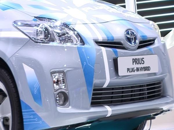 vid o mondial de paris 2010 toutes les voitures hybrides du salon. Black Bedroom Furniture Sets. Home Design Ideas