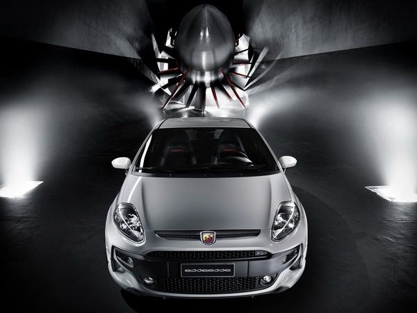 Mondial de Paris 2010 : Abarth Punto Evo esseesse, plus corsée