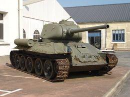 Rétromobile 2016 : deux chars du musée de Saumur à l'honneur