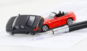 Assurances auto: des hausses modérées en 2022