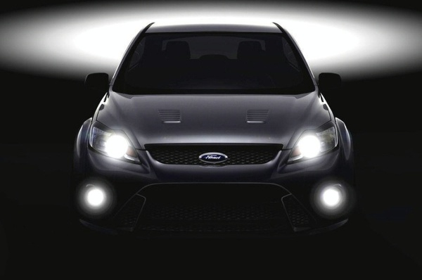 Ford confirme la Focus RS en image