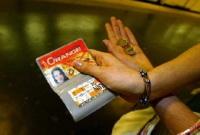 Chasse à la voiture : l'employeur pourrait rembourser la carte orange à 100%