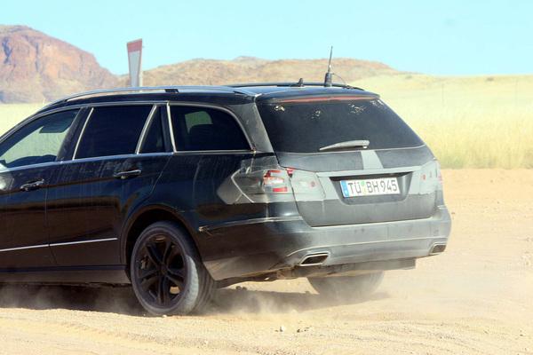 La future Mercedes Classe E Wagon surprise en Namibie