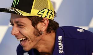 Vidéo: Valentino Rossi à l'entraînement avec ses jeunes!