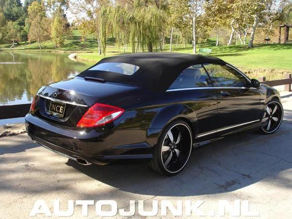 Une Mercedes CL... Cabriolet