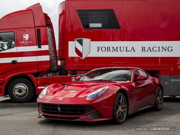 Photos du jour : Ferrari F12 (Modena Track Days)