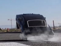 Hommage à la série Fast and Furious et à Paul Walker... en format mini