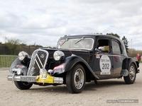 Photos du jour : Citroen Traction (Tour Auto)