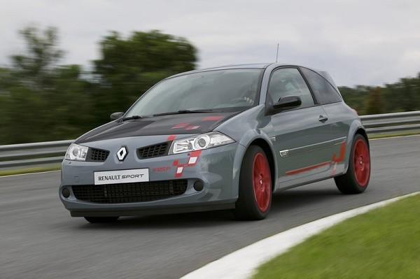 Renault Megane R26.R : plus rapide que la Focus RS sur tous les circuits d'Angleterre