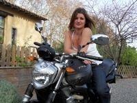 Paroles de motarde : Sonia et sa Yamaha FZ6
