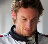 Jenson Button ramené sur terre