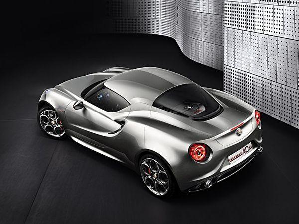 Salon de Francfort 2011 - Alfa Romeo 4C et sa chemise grise
