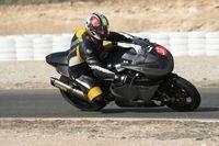 Le trois cylindres MV Agusta enchaîne les tours de circuit