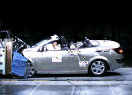 La Mégane Coupé-Cabriolet reçoit 5 étoiles aux crash-tests Euro Ncap
