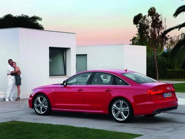 Salon de Francfort 2011 - Audi S6 et S6 Avant, comme la S7