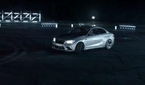 Les drifts de la BMW M2 Competition utilisés pour couper des bambous