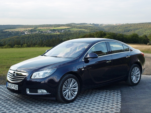 essai opel insignia 2012 progresser pour ne pas r gresser. Black Bedroom Furniture Sets. Home Design Ideas