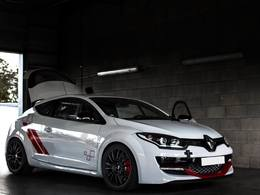 Megane 3 RS Trophy R Dijon Auto Racing, 450 chevaux !