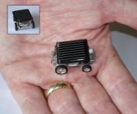 Insolite : la plus petite voiture à énergie solaire au monde !