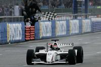 GP Masters: Eddie Cheever s'impose