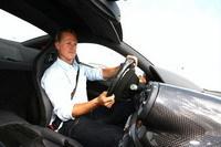 [Vidéo]: Schumi s'amuse avec la 599 GTB HGTE !