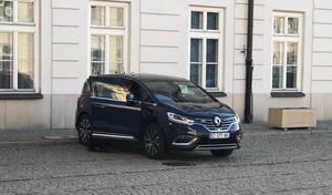 Le Renault Espace de Macron tombe en panne en Pologne