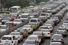 Paris: le trafic déborde sur les voies sur berge