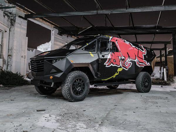 Red Bull dévoile un étonnant SUV blindé