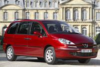 Peugeot 807 restylé: nouveau diesel en haut de gamme