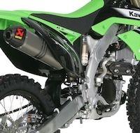 Akrapovic: ligne Racing ou Évolution pour la Kawasaki KX 250F 2011.