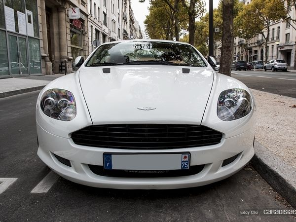 Photos du jour : Aston Martin DB9