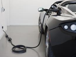 Tesla Roadster électrique : bientôt une nouvelle concession à Paris