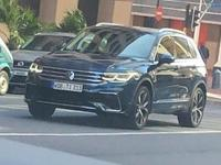 Volkswagen: le Tiguan restylé aperçu, avec un regard de Golf 8