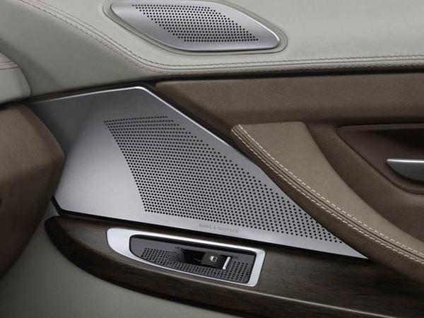 Mondial de Paris 2010 : BMW roule maintenant avec Bang & Olufsen
