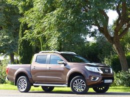 nissan navara 2 3 dci 190ch double cab n connecta 2016 diesel occasion le bouscat gironde 33. Black Bedroom Furniture Sets. Home Design Ideas