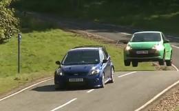 Vidéo : Et l'auto qui poussait la Focus RS est une .....