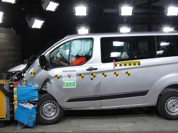 Ford Transit Custom: le 1er utilitaire 5 étoiles