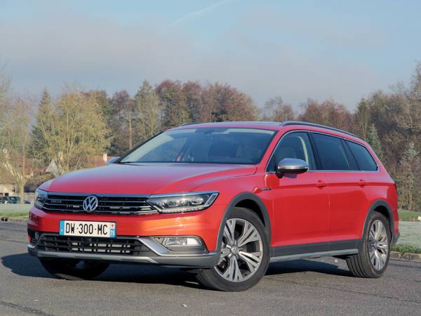Essai vidéo - Volkswagen Passat Alltrack : premier de boue