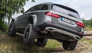 Mercedes : la Classe E All Terrain 4x4 en action