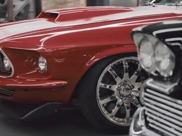Une Ford Mustang avec le moteur d'une voiture de course de Mario Andretti