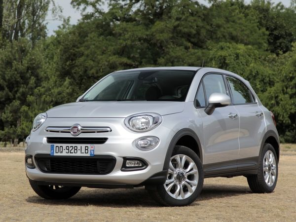 la fiat 500x arrive en occasion elle nous refait le coup de la 500. Black Bedroom Furniture Sets. Home Design Ideas