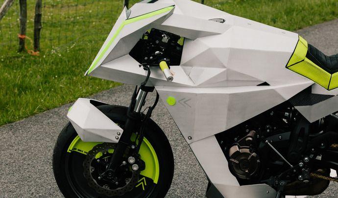 Yard Built XSR700 « The Outrun » par Ton-Up Garage: protections oculaires conseillées