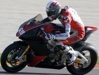 Superbike - Aprilia: Une RSV4 tchèque en Stock 1 000
