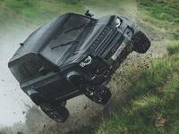 Le Land Rover Defender maltraité sur le tournage du dernier James Bond
