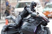 Actualité - Cinéma: Sous la moto de Robocop se cache un Z 1000