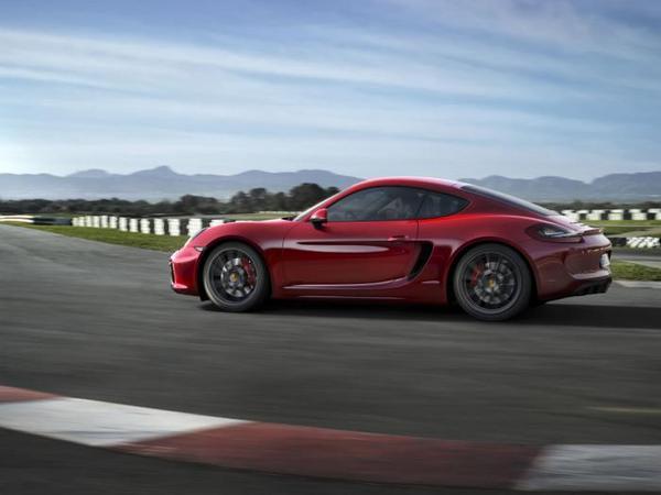 Futures Porsche Cayman GT4 et Boxster RS Spyder: chaud devant